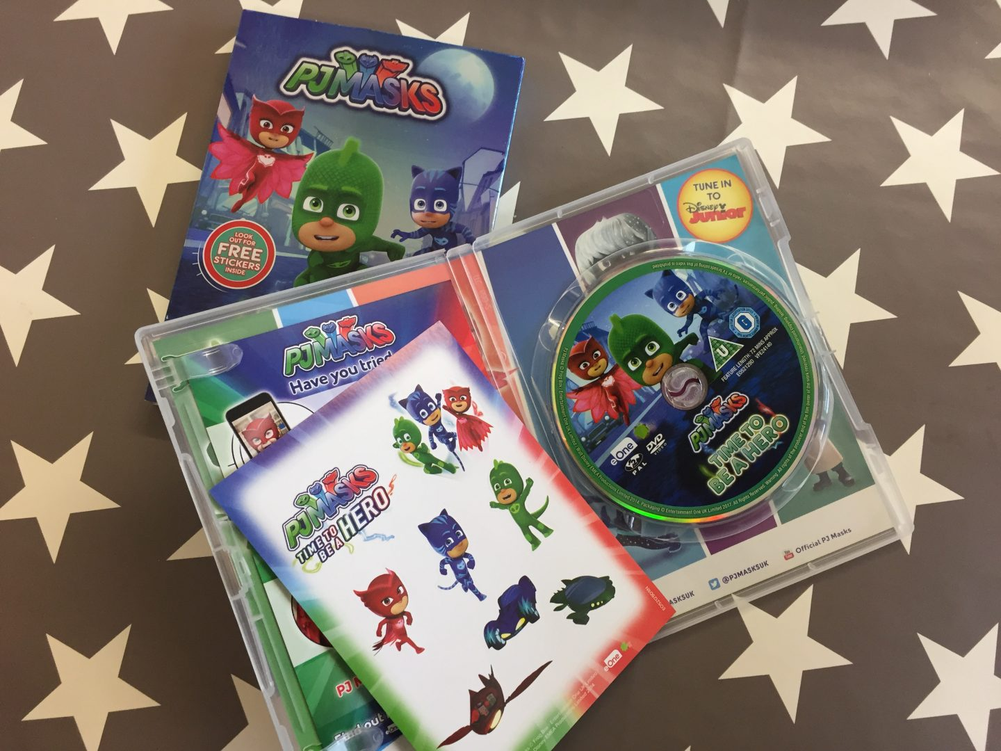 inside the dvd case of pj masks time to be a hero