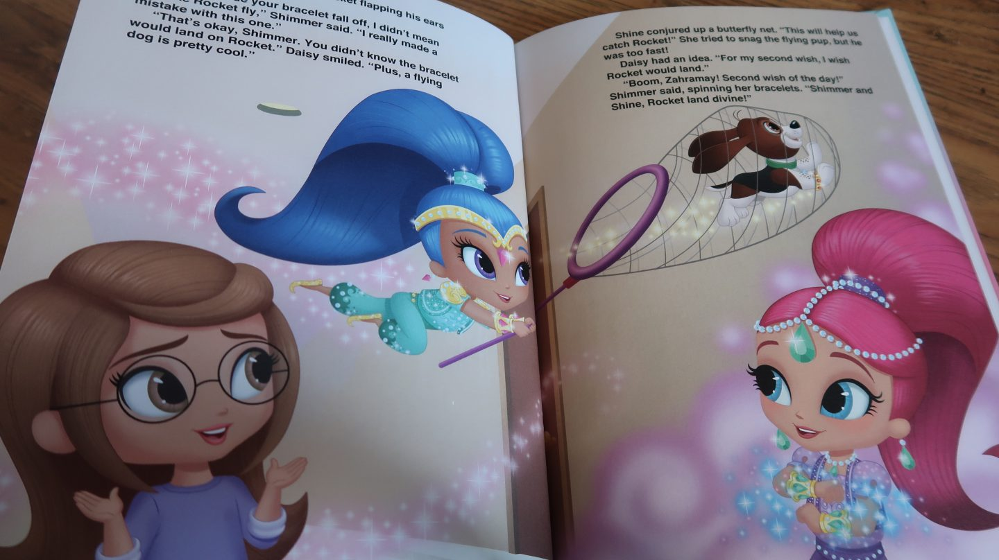 inside pages of Penwizard Personalised Shimmer & Shine book