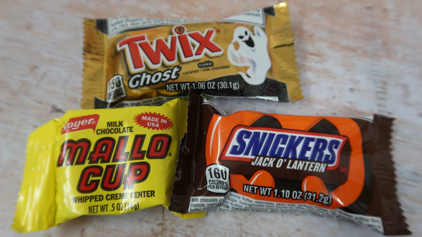 taffy mail subscription box mallo cup twix ghost snickers jackolantern